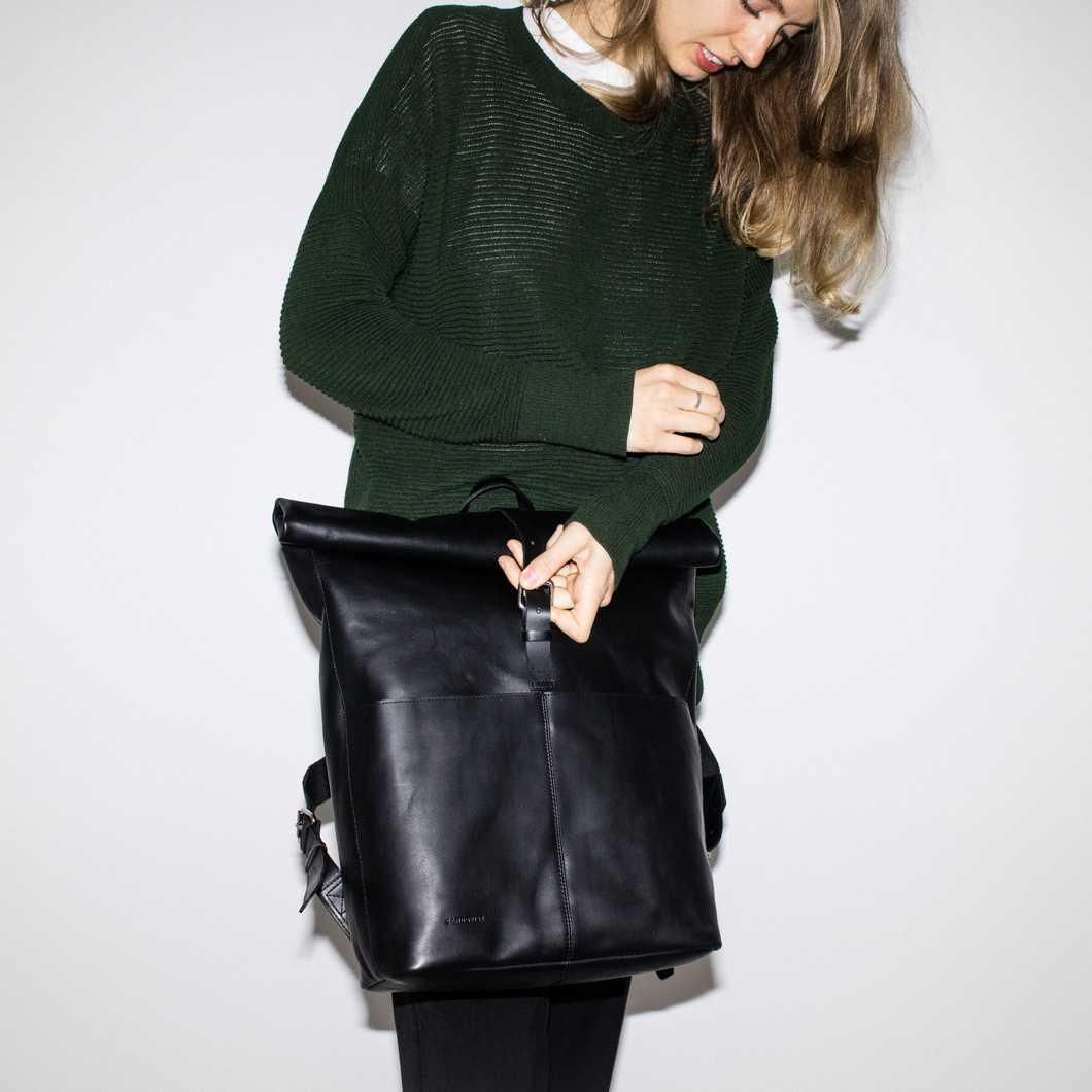 Antonia - Black